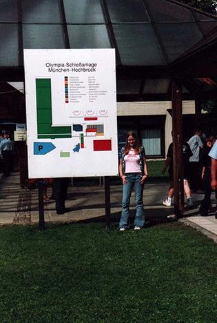 Susanne Rump vor der  Schiessanlage in München - Hochbrück